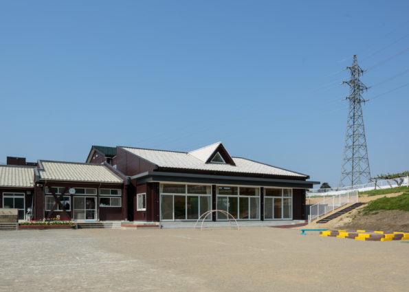 東山保育所遊戯室増築工事
