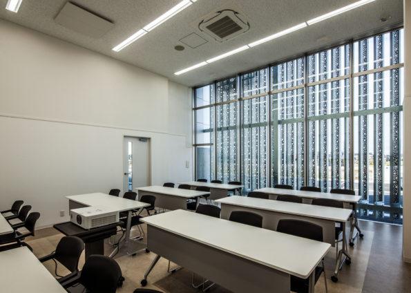 ニイカワポータル新社屋新築工事